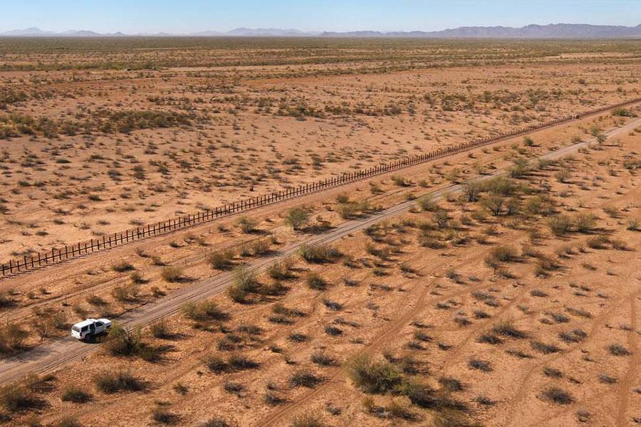 Стена на границе с Мексикой