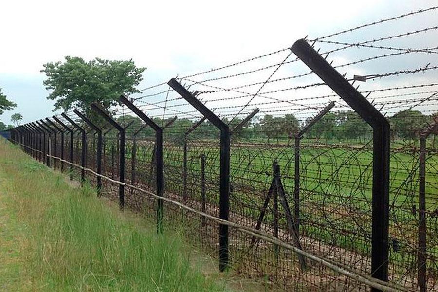 Колючие заграждения на индийско-бангладешской границе