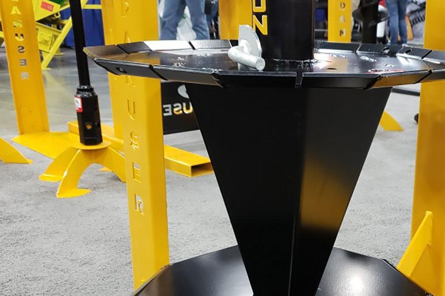 Пристрої для розмотування і змотування звичайного і колючого дроту