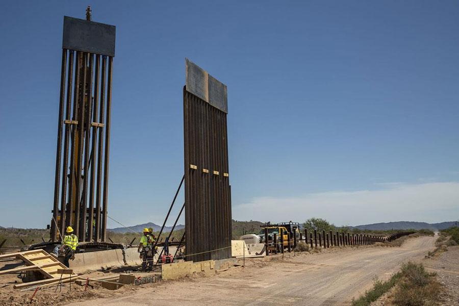 Будівництво стіни в Арізоні на кордоні з Мексикою