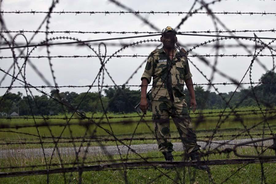 Индия установит колючую проволоку на границе с Бангладеш