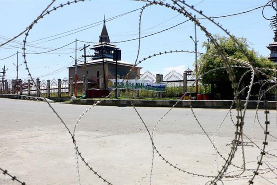 Колючая проволока в Кашмире