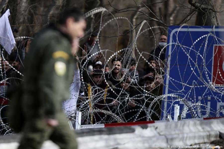 На кордоні Туреччини та Греції з'явиться новий паркан з колючим дротом