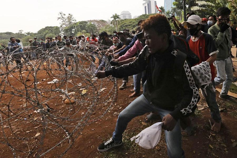 Проволока колючая в Индонезии
