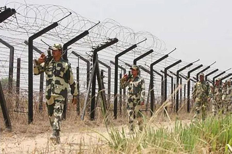 Колючая проволока на пакистанской границе
