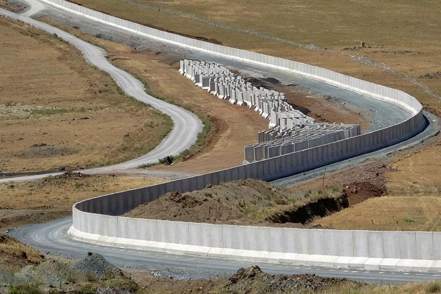 Строительство стены на границе Турции с Ираном