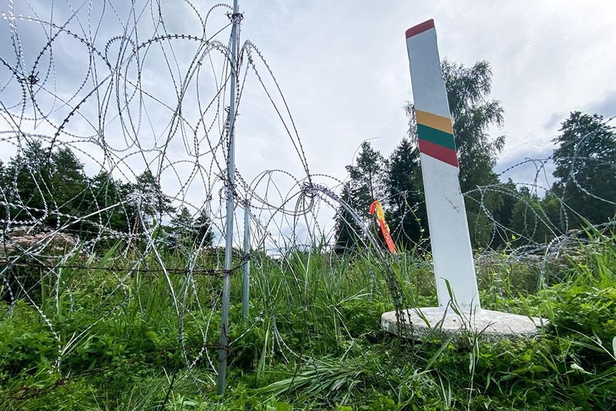 Литва має намір побудувати паркан з колючим дротом