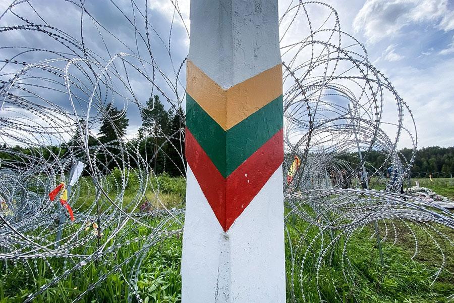 Колючий дріт від Словенії для Литви
