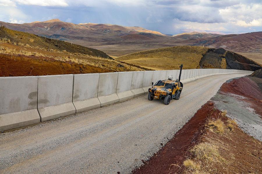 Стена на границе Турции с Ираном